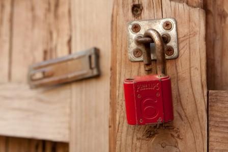 WordPress locking posts