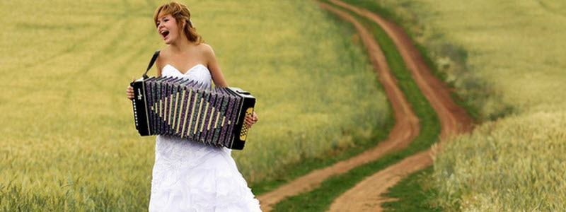 featured-accordion-girl